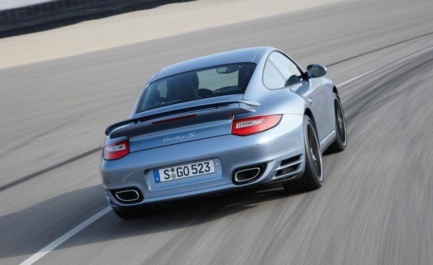 2011 Porsche 911 Turbo S - Slide 17