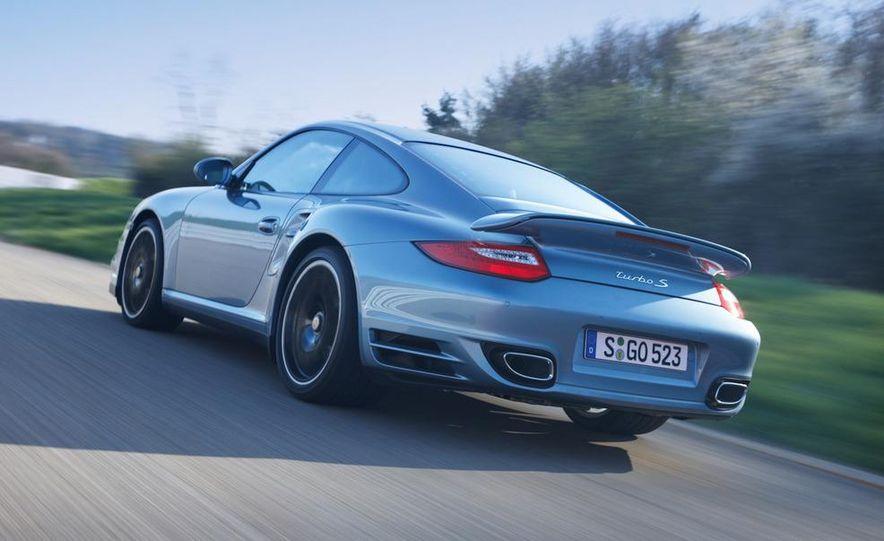 2011 Porsche 911 Turbo S - Slide 18
