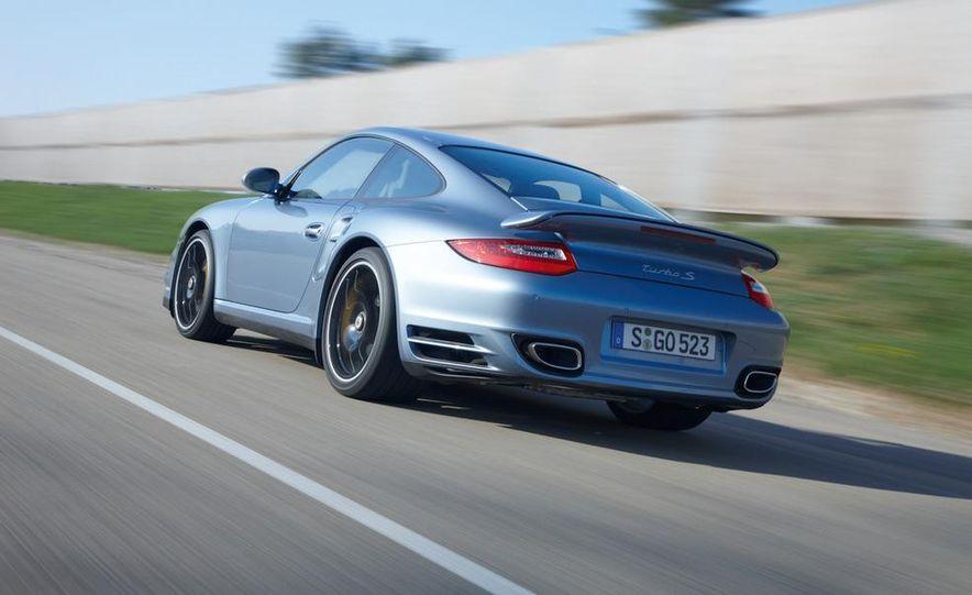 2011 Porsche 911 Turbo S - Slide 19