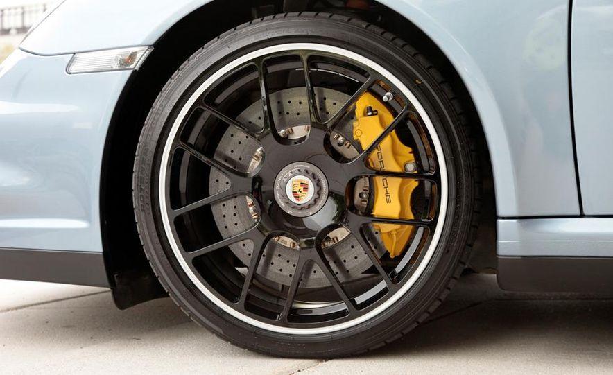 2011 Porsche 911 Turbo S - Slide 37