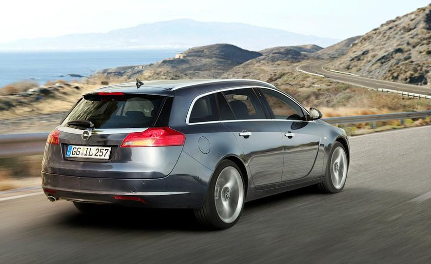 2012 Buick Regal wagon - Slide 8