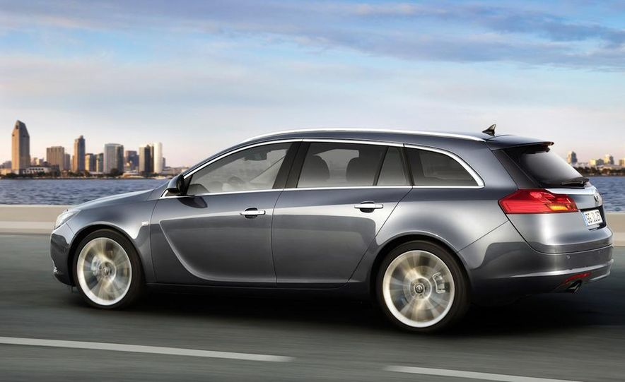 2012 Buick Regal wagon - Slide 10