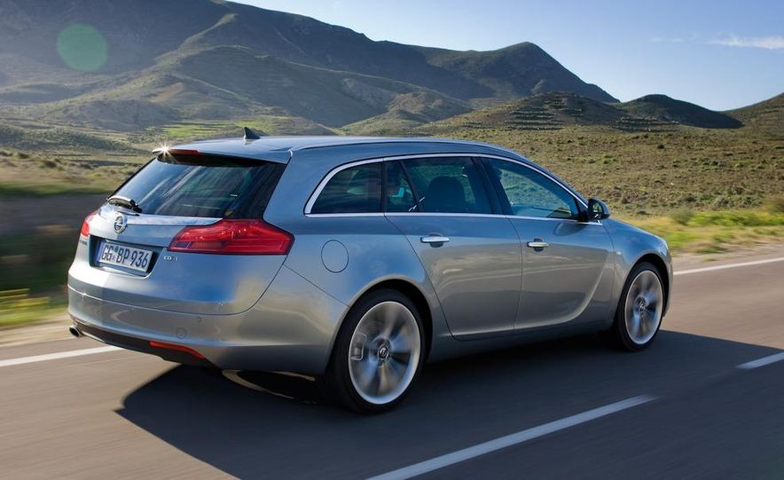 2012 Buick Regal wagon - Slide 16