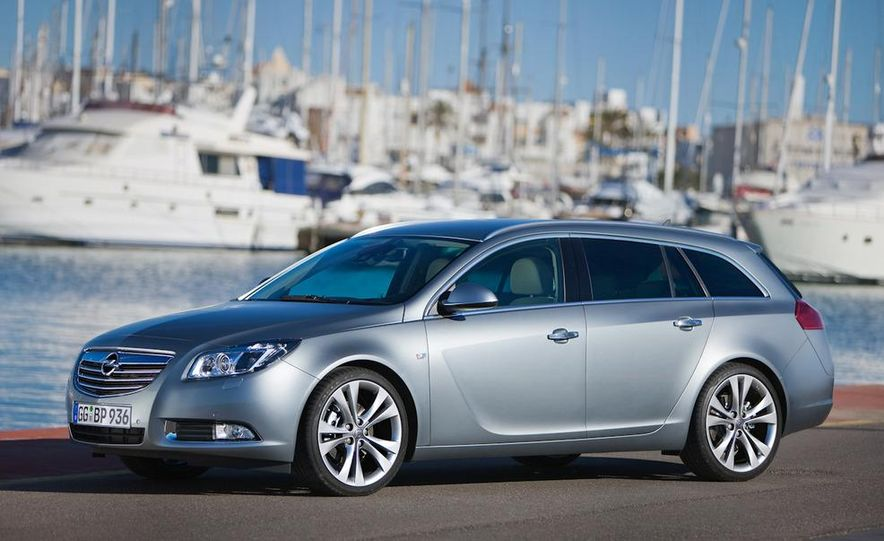 2012 Buick Regal wagon - Slide 17