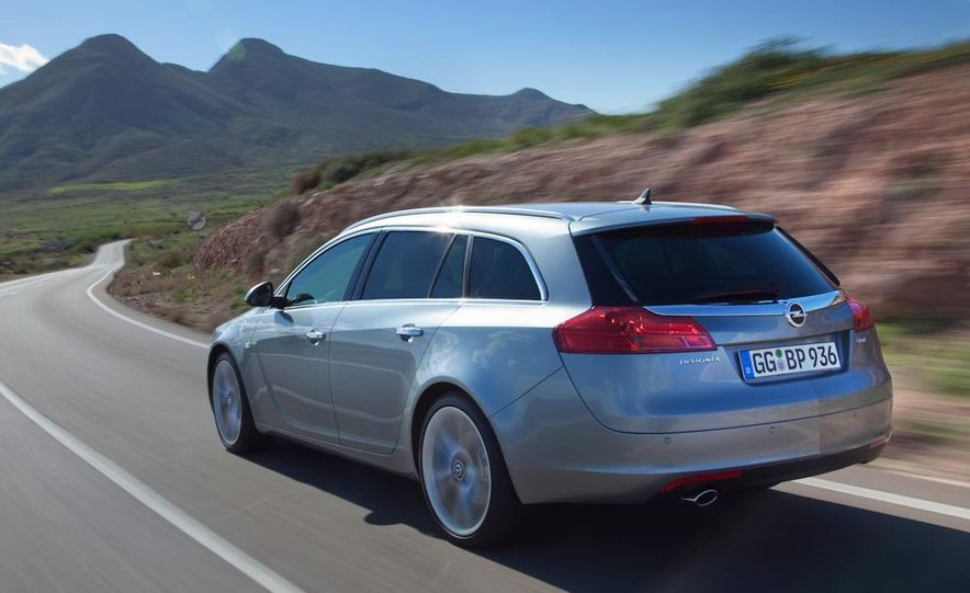 2012 Buick Regal wagon - Slide 19