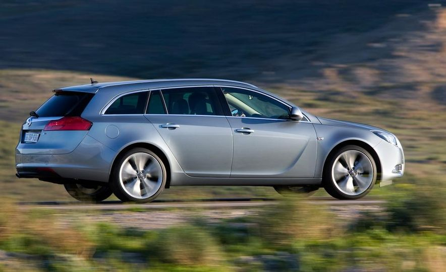 2012 Buick Regal wagon - Slide 20