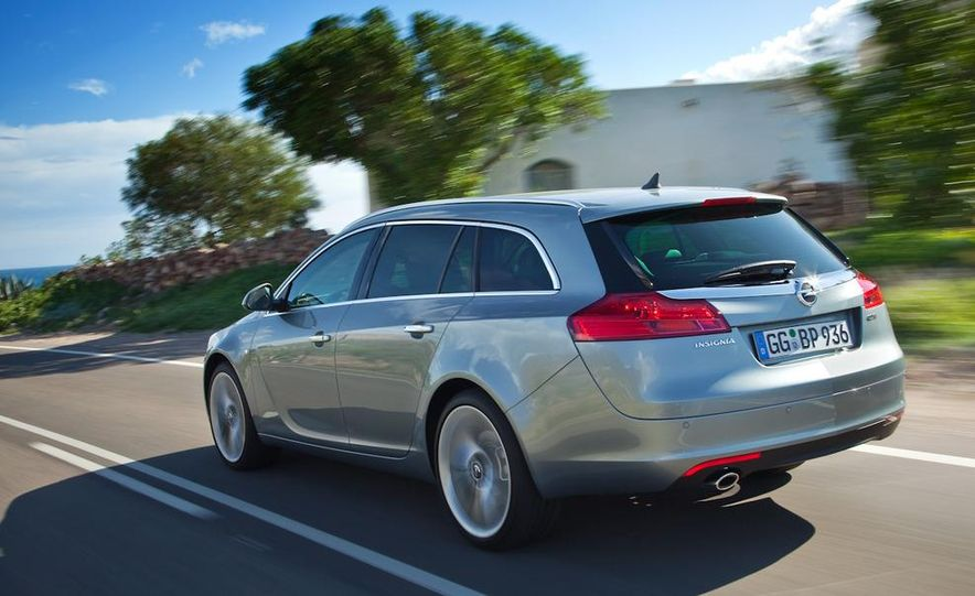 2012 Buick Regal wagon - Slide 25