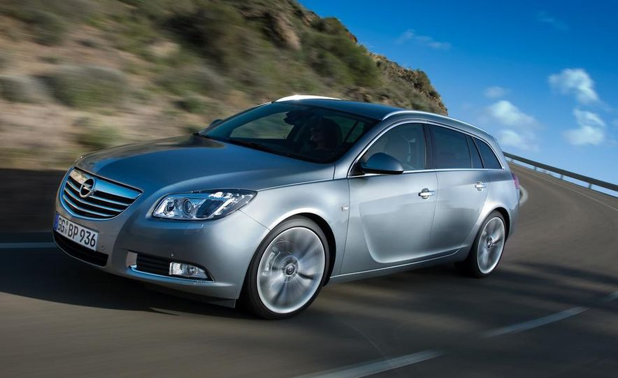 2012 Buick Regal wagon - Slide 26