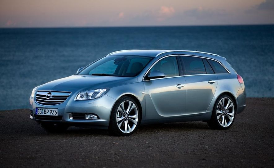 2012 Buick Regal wagon - Slide 27