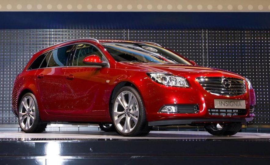 2012 Buick Regal wagon - Slide 30