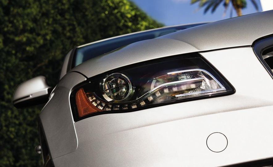 2010 Audi A4 2.0T Quattro - Slide 8
