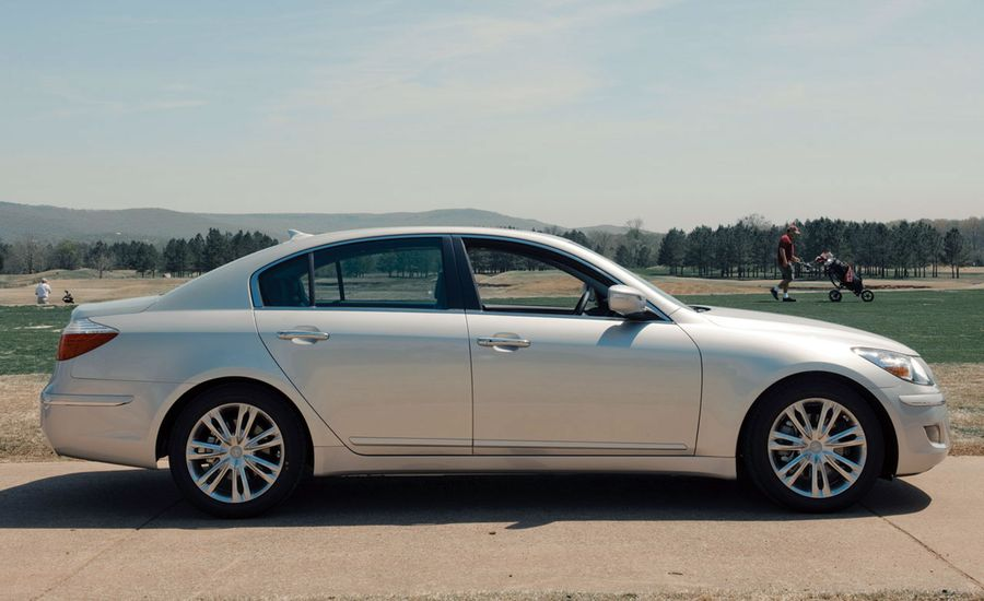 roadshow auto ovr genesis hyundai review bentley