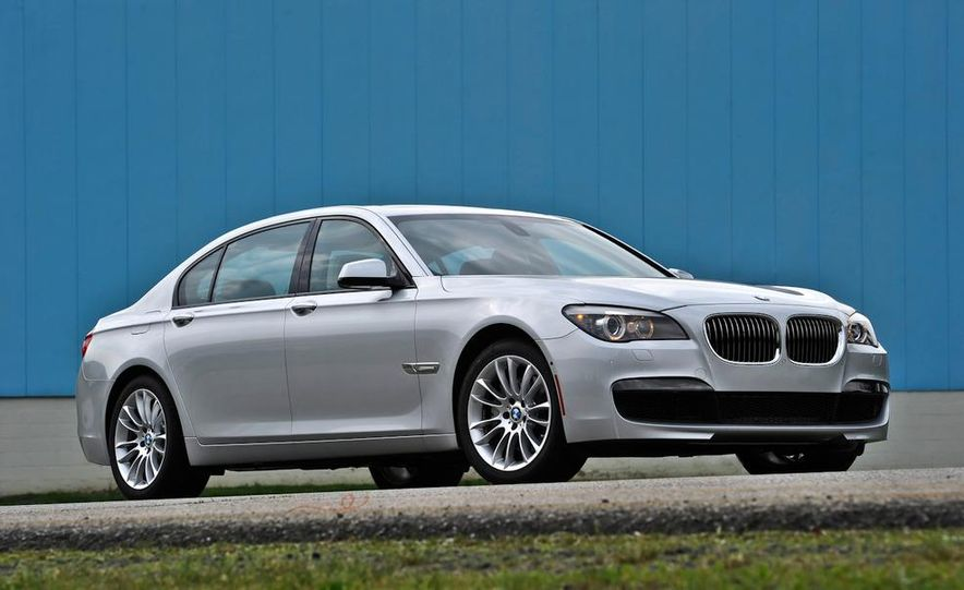 2011 BMW 740i with M Sport Package - Slide 17