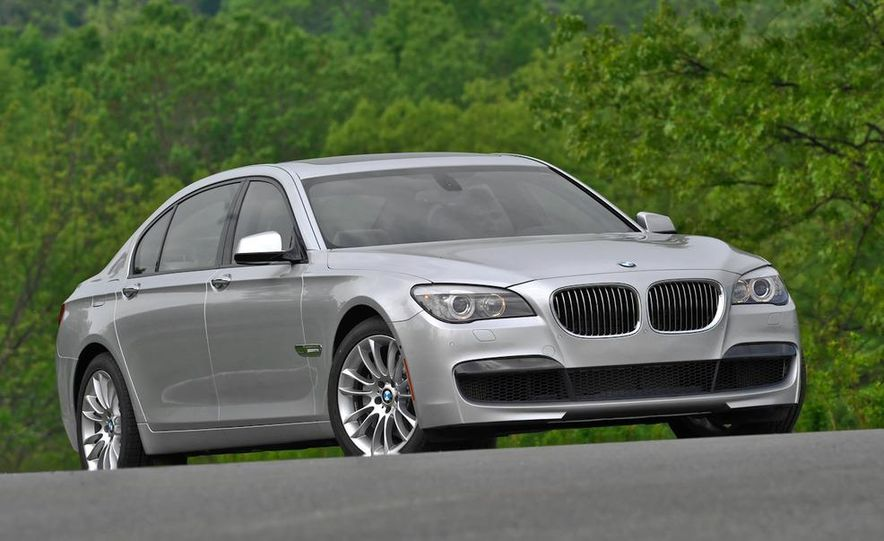2011 BMW 740i with M Sport Package - Slide 19