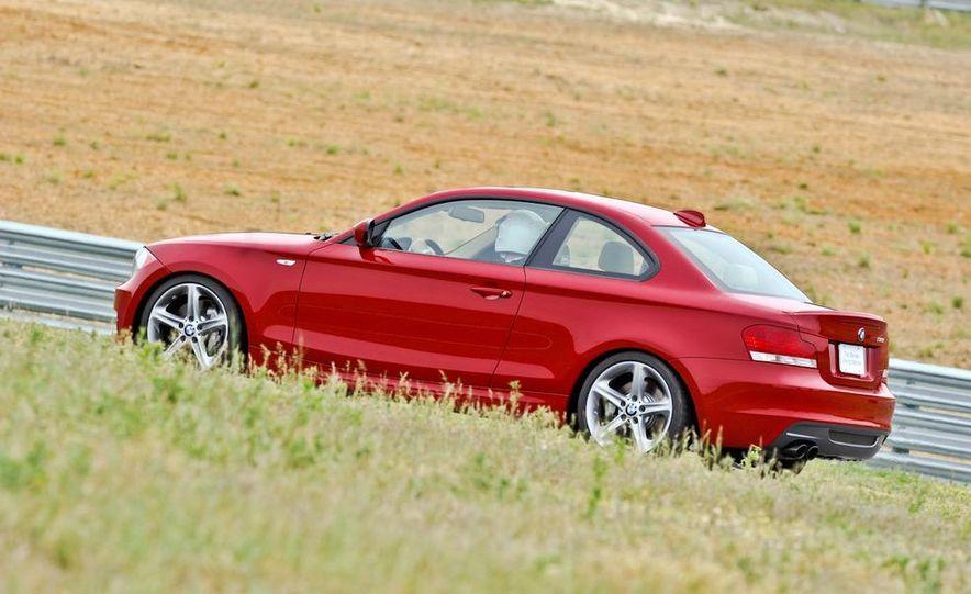 2011 BMW 135i - Slide 39