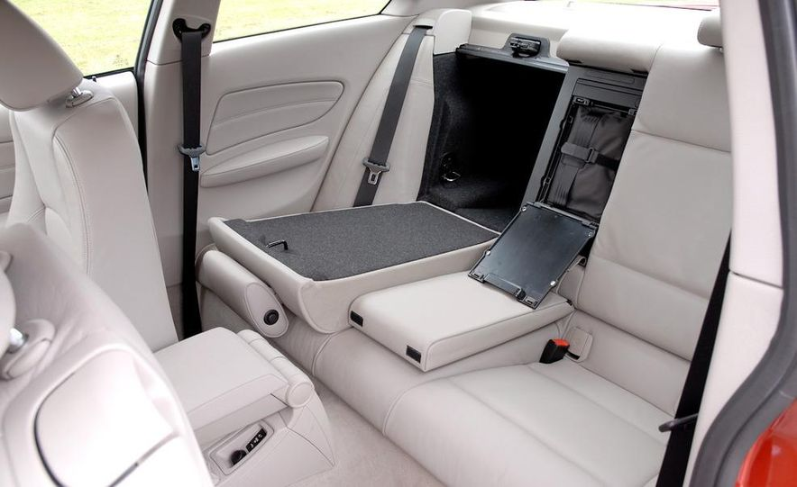 2011 BMW 135i - Slide 61
