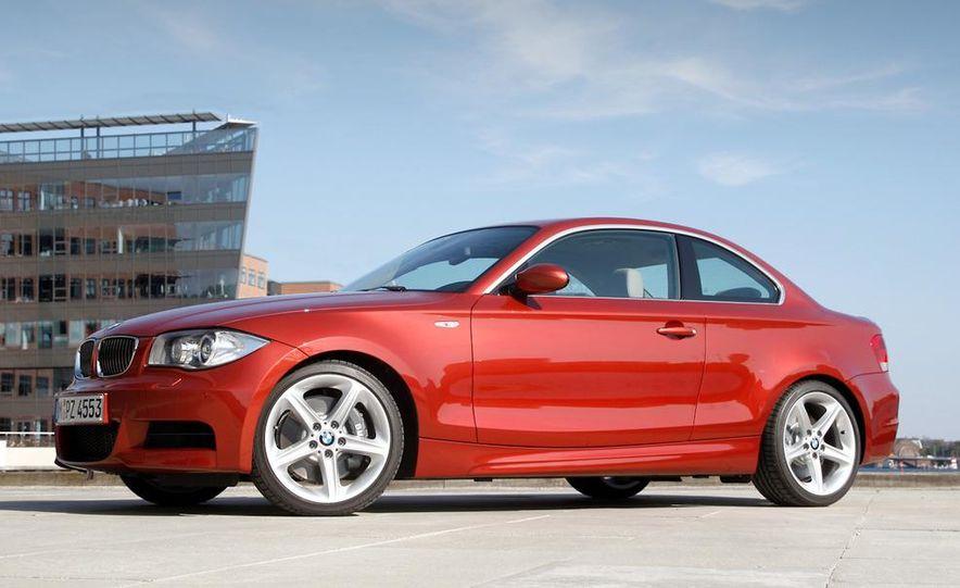 2011 BMW 135i - Slide 2