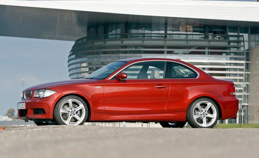 2011 BMW 135i - Slide 4