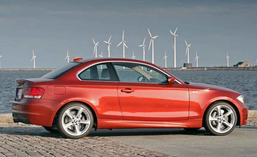 2011 BMW 135i - Slide 5