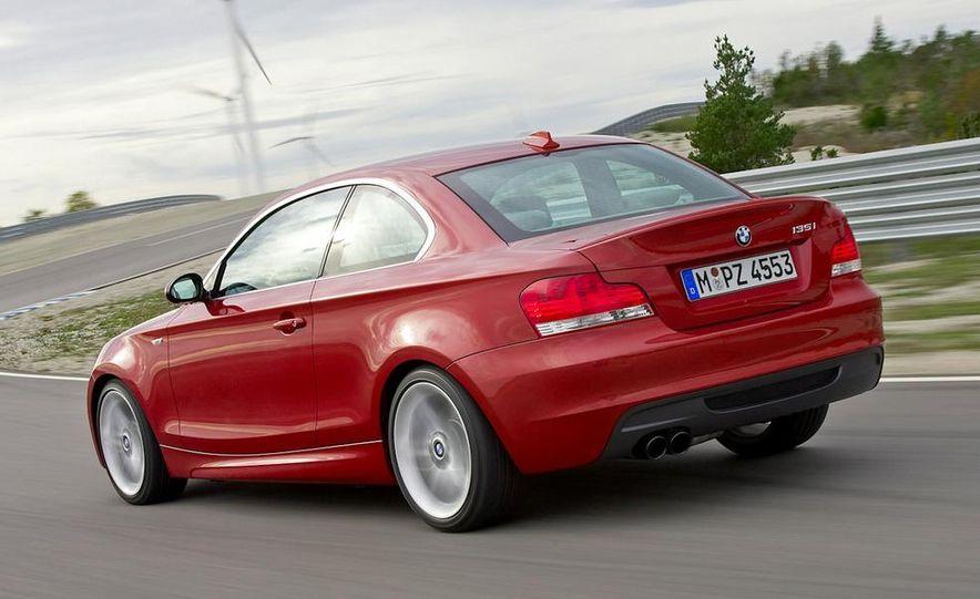 2011 BMW 135i - Slide 21