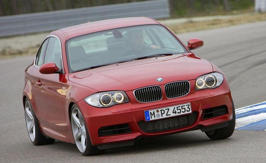 2011 BMW 135i - Slide 23