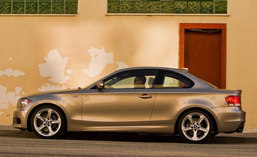 2011 BMW 135i - Slide 24