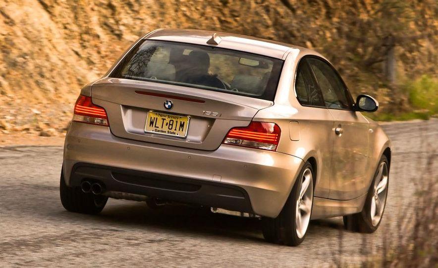 2011 BMW 135i - Slide 32
