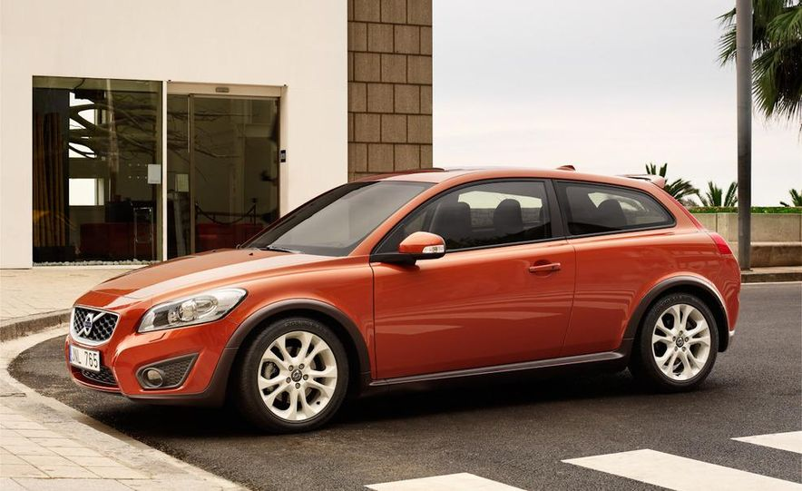 2011 Volvo C30 R-Design - Slide 4