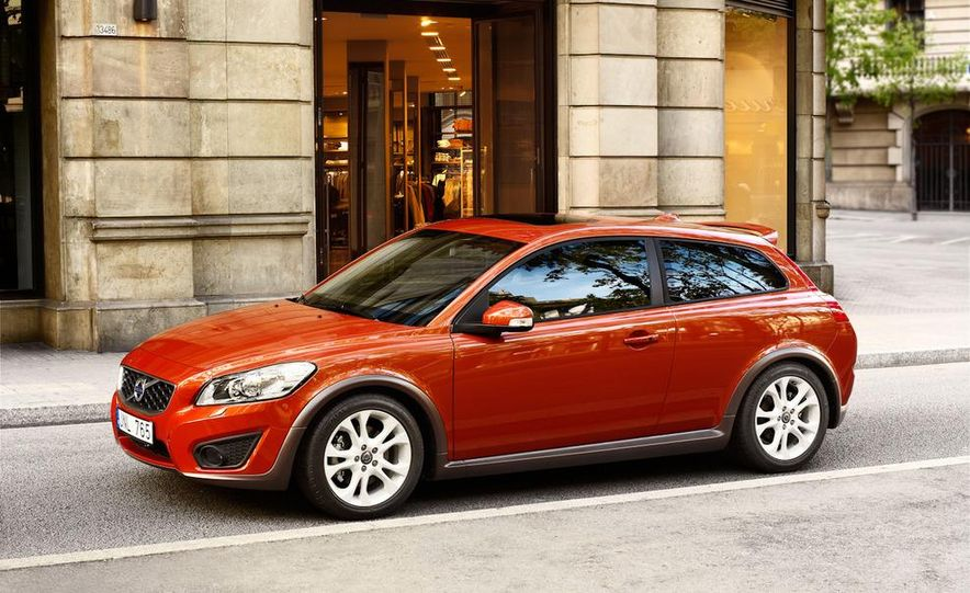 2011 Volvo C30 R-Design - Slide 5