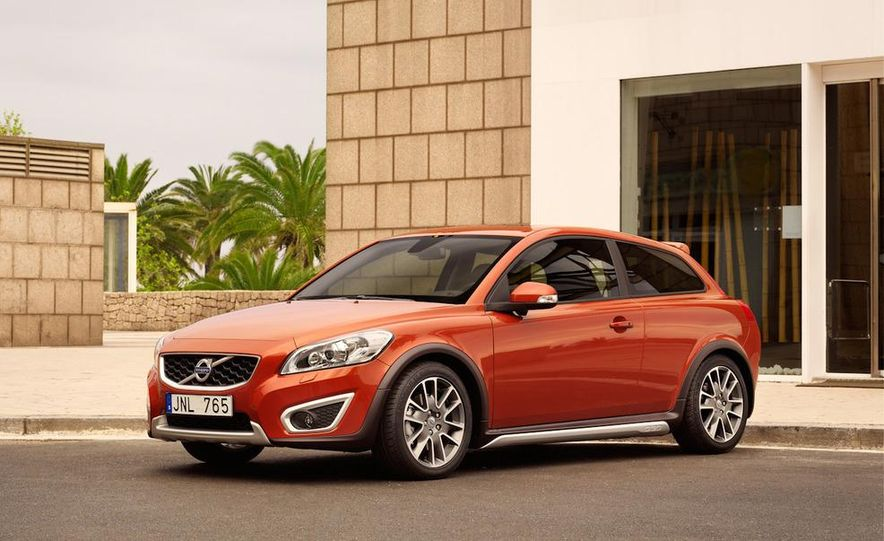 2011 Volvo C30 R-Design - Slide 7