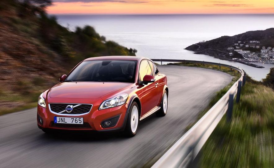 2011 Volvo C30 R-Design - Slide 11