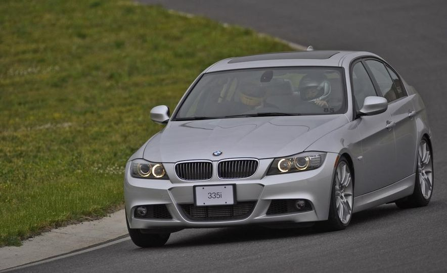 2011 BMW 335i sedan - Slide 1