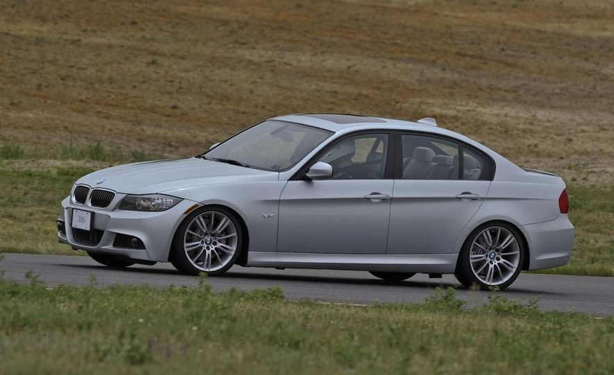 2011 BMW 335i sedan - Slide 2