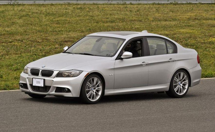 2011 BMW 335i sedan - Slide 4
