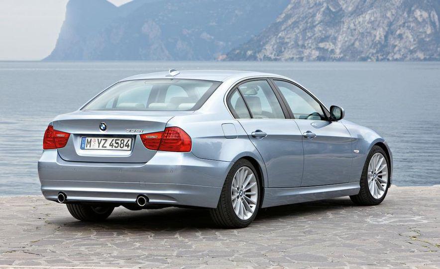 2011 BMW 335i sedan - Slide 9
