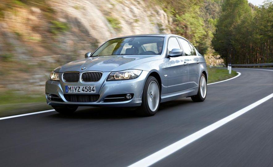 2011 BMW 335i sedan - Slide 11