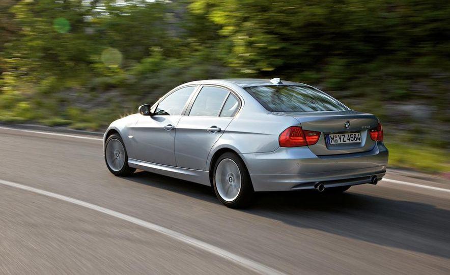 2011 BMW 335i sedan - Slide 13