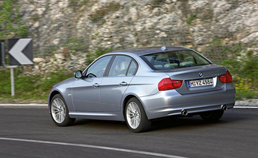 2011 BMW 335i sedan - Slide 16