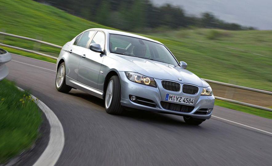 2011 BMW 335i sedan - Slide 17