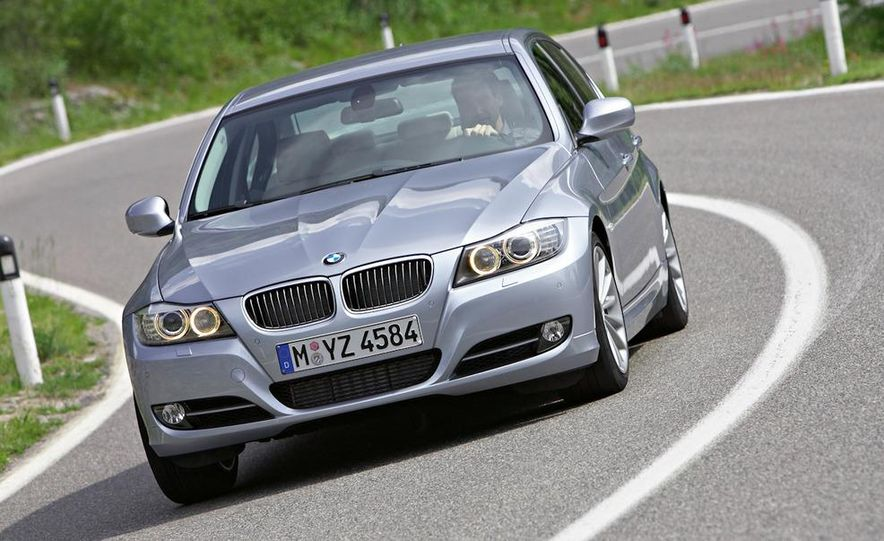 2011 BMW 335i sedan - Slide 18
