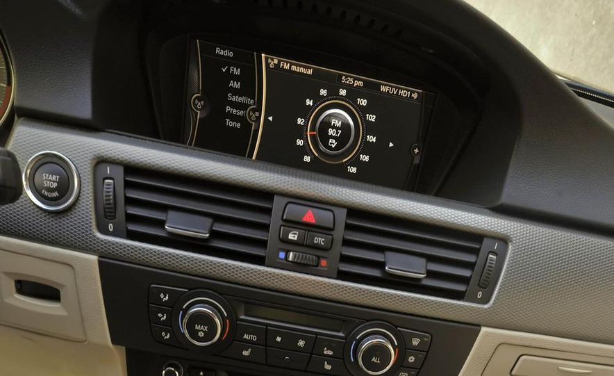 2011 BMW 335i sedan - Slide 28