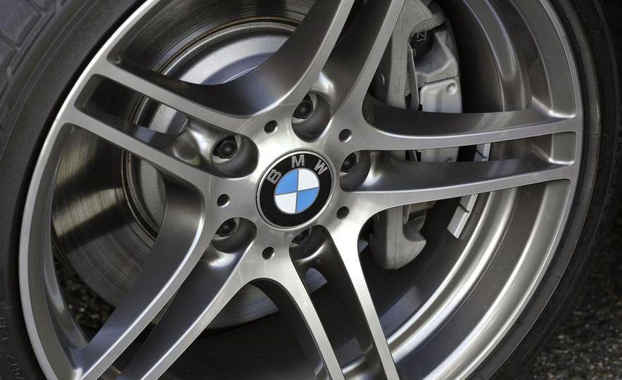 2011 BMW 335i sedan - Slide 21