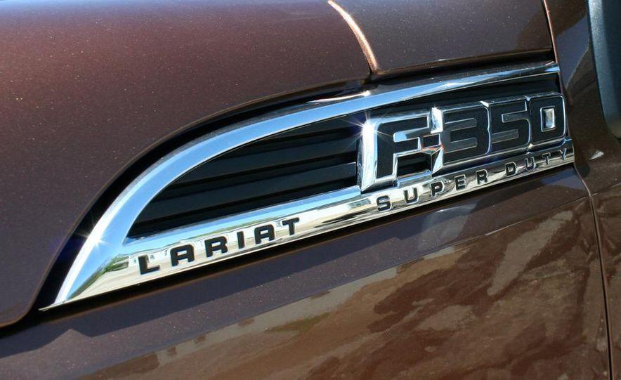 2011 Ford F-350 Super Duty Lariat - Slide 23