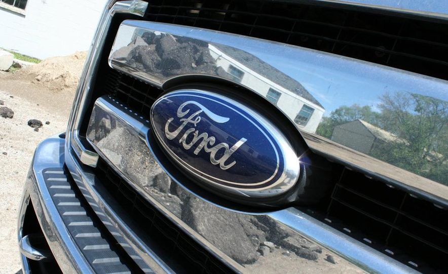 2011 Ford F-350 Super Duty Lariat - Slide 20