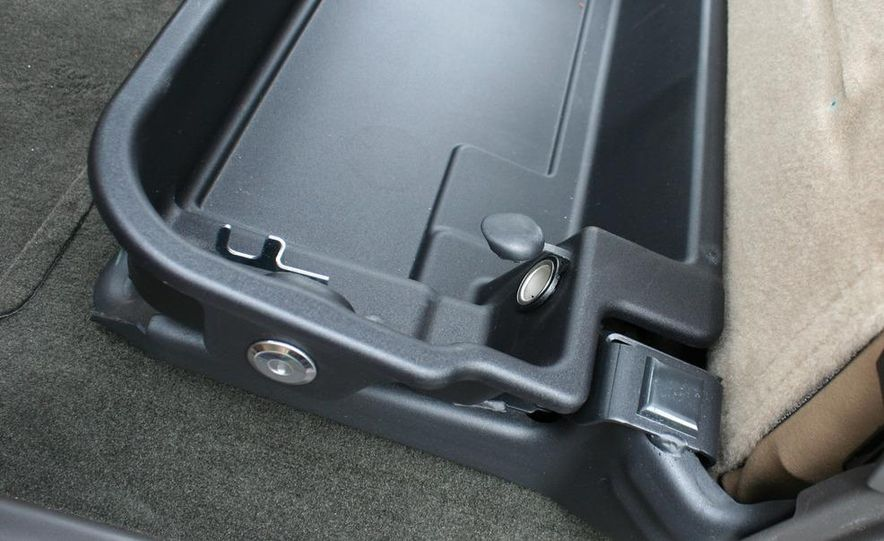 2011 Ford F-350 Super Duty Lariat - Slide 74