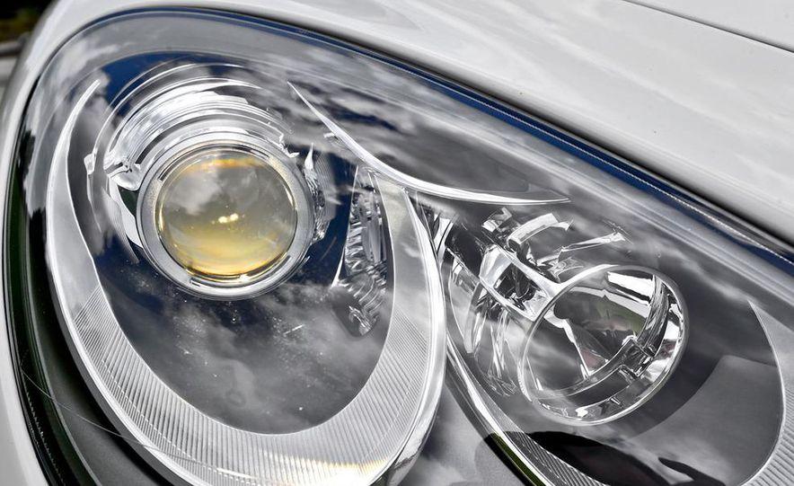 2011 Porsche Cayenne S - Slide 26