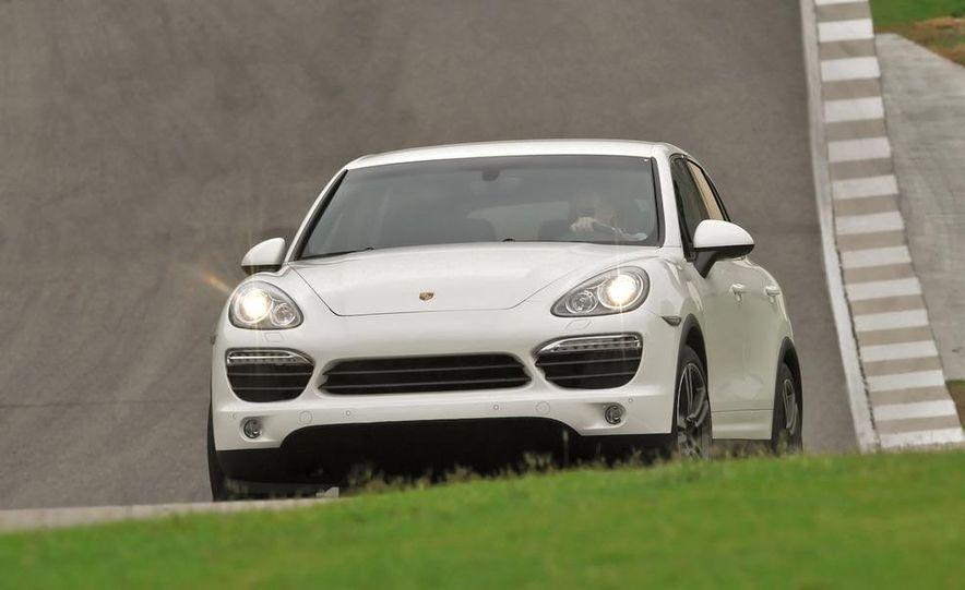 2011 Porsche Cayenne S - Slide 10