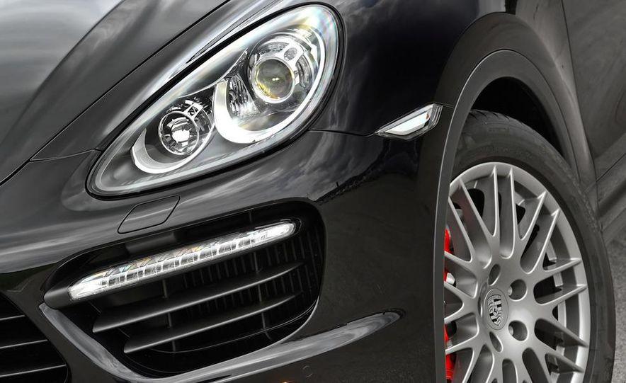2011 Porsche Cayenne S - Slide 75