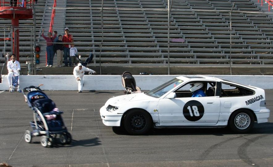 24 Hours of LeMons, 2006 - Slide 1