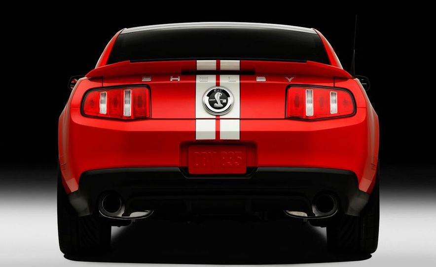 2011 Ford Mustang Shelby GT500 coupe - Slide 21